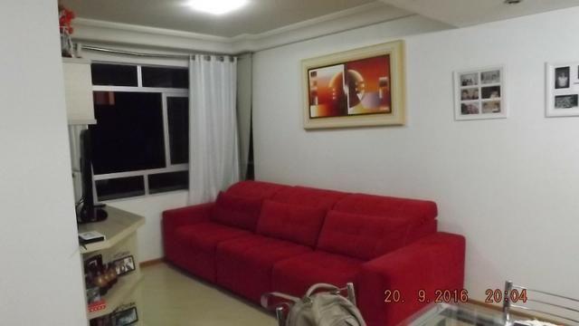 Apartamento 3 dormitórios com móveis planejados no Cabral - Foto 2
