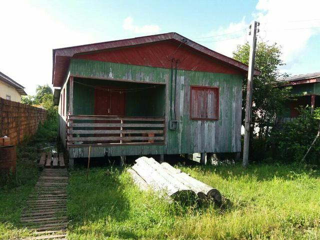 Vende-se uma casa em boca do Acre ou troca se em um terreno em Rio Branco