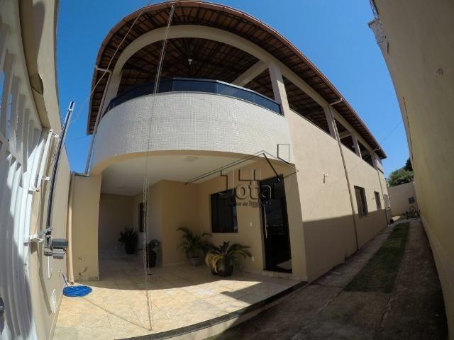 Casa de lote inteiro c/ 4Qtos no bairro Nova Vila Bretas
