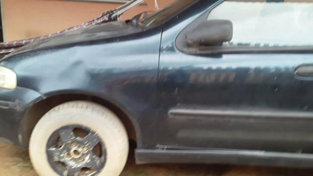 Vendo um carro modelo palio valor mil reais