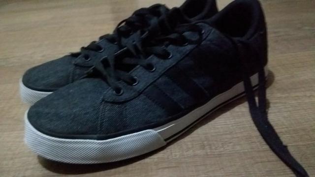085ee9dffcf99 Tênis Adidas Daily / Leia o anúncio - Roupas e calçados - Vila ...