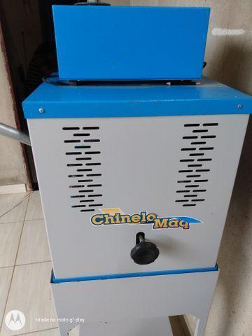 Vendo máquina de chinelo - Foto 3