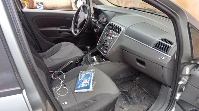 Vendo um punto 1.6 essence. carro completâo! meu Whatsapp - Foto 6