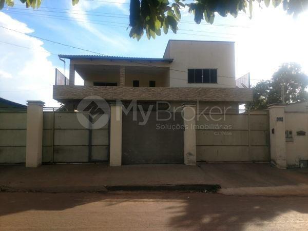 Casa sobrado com 6 quartos - Bairro Setor Central em Palmeiras de Goiás