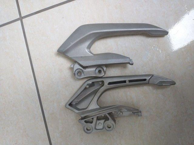 Alça do garupa original da cb Twister 250  - Foto 2
