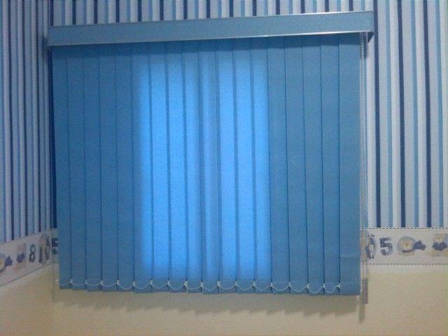 Cortinas persianas vertical azul