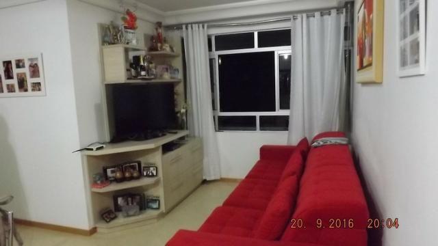 Apartamento 3 dormitórios com móveis planejados no Cabral