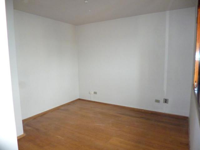 Sobrado com 3 dormitórios para alugar, 170 m² por r$ 1.800,00/mês - bacacheri - curitiba/p - Foto 14