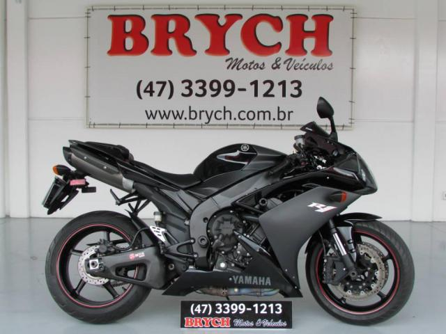 Yamaha YZF-R1 R1 1000 2007 R$30.900,00.
