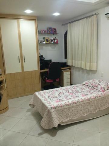 Linda casa triplex, 3 quartos, 3 vagas de garagens, Piscina e churrasqueira - Foto 6