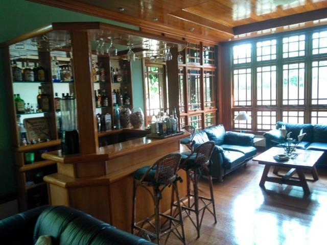 Maravilhosa casa triplex no centro de Nogueira - Foto 3