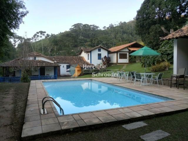 Sítio-haras c/ 9 casas, riacho, lago, piscina, futebol, sauna, br116 - próximo a teresópol - Foto 2