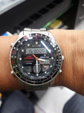 65e1559f158 Relógio citizen titanium