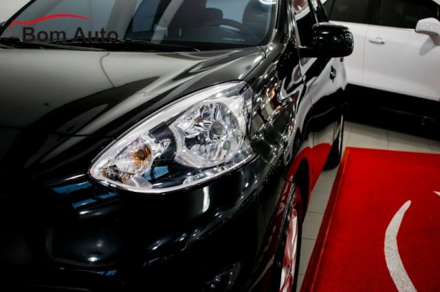 Nissan March 1.6 SV Manual 2015 - Foto 8