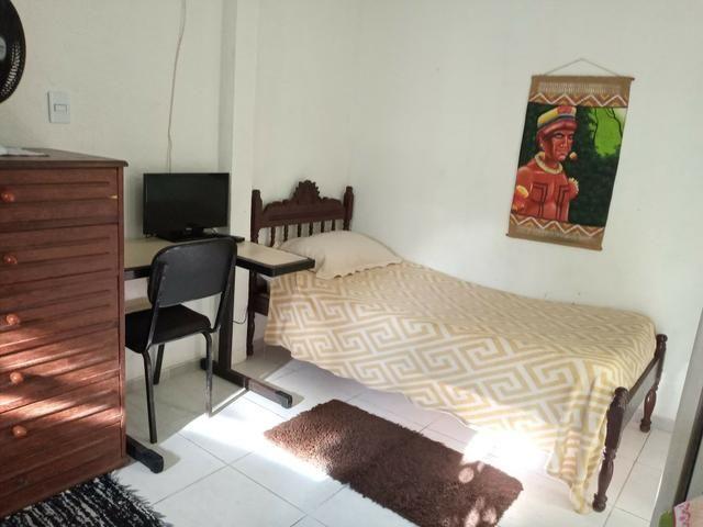Suíte solteiro mobiliada com taxas inclusas em Jacaraípe