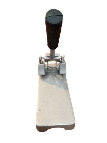 Perfurador de papel Cavia