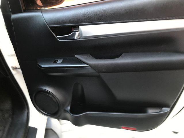 Toyota Hilux SR 2017 - Foto 12