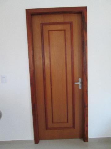 Marceneiro Profissional - Conserto de Portas, Janelas e Móveis em Madeira