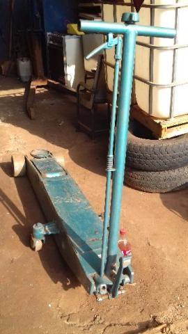 Macaco jacaré pesado