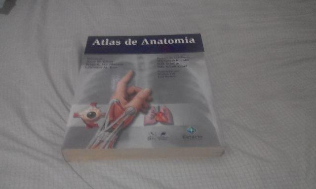 Atlas de anatomia em perfeito estado