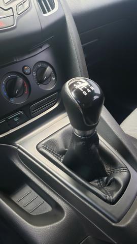 Ford Focus SE 1.6 - pneus novos - carro revisado - Foto 12