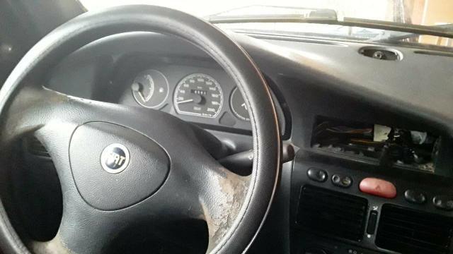 Vendo um carro modelo palio valor mil reais - Foto 4