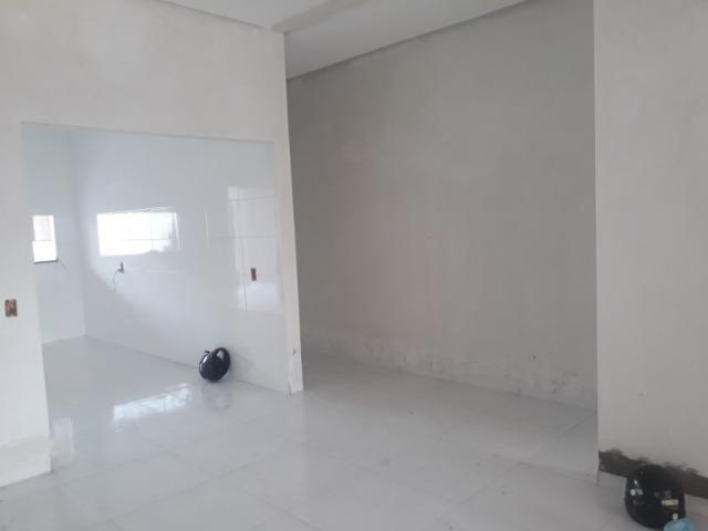 Imóvel novo em obra, com 03 quartos sendo uma suite com closet - Foto 5