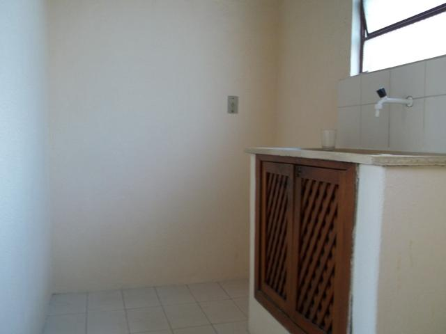 Apartamento dois dormitórios c/sacada grande, Fragata/Guabiroba - Foto 6