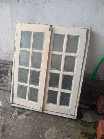 Vendo janela com castilho