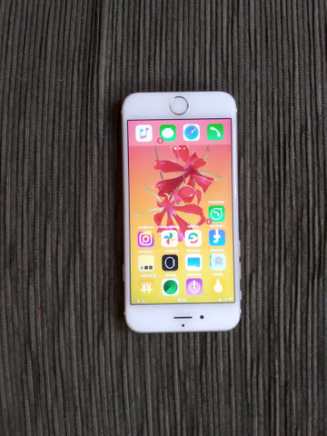 iPhone 6 16 gb  sem detalhe.