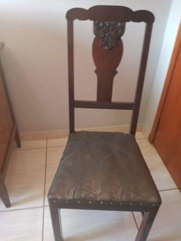Cadeira de madeira Maciça ornamental - Foto 4