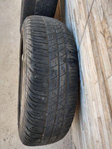 Jogo de rodas 14 de ferro semi novas originais do fiat pálio - Foto 8