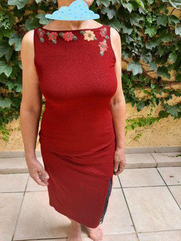 Vestido vinho com bordado - Foto 2