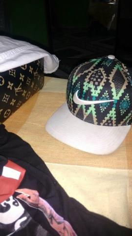 Nike chapéu novinho
