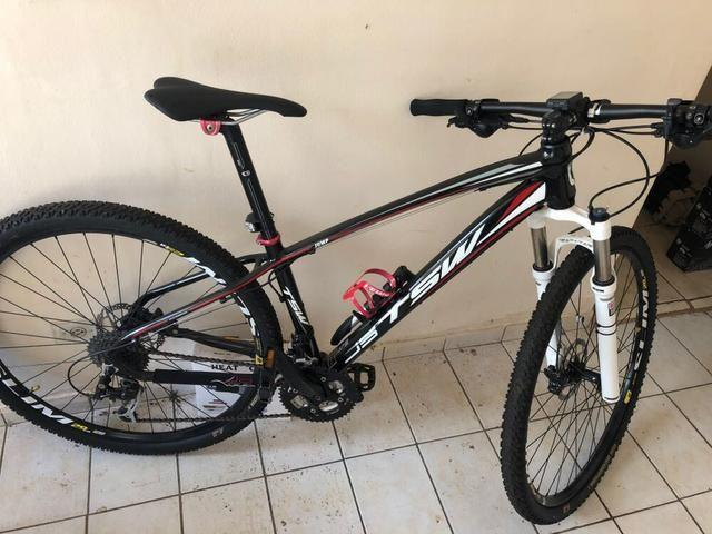 Bicicleta aro 29 semi nova