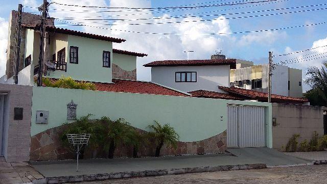 Casa no Condomínio Monte Bello