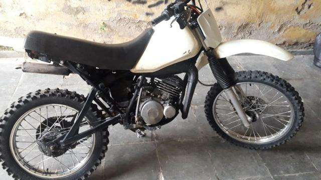 Yamaha Dt 180 para trilha 2187a0343c9a8