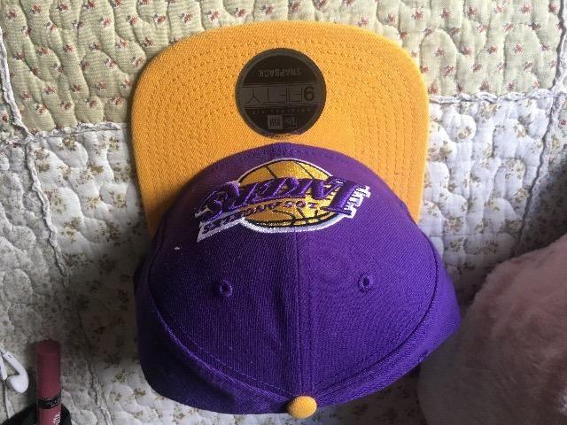 Boné Original Los Angeles Lakers + boné gratis acompanhando ... f1e987dee31