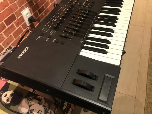 Teclado Yamaha motif xf7 leia a descrição!