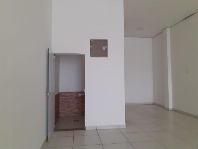 Loja comercial para alugar em Loteamento residencial pequis, Uberlandia cod:879352
