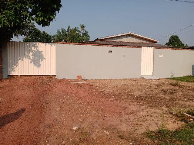 Vendo duas casas mesmo terreno Pimenta Bueno bairro seringal valor 270mil - Foto 2