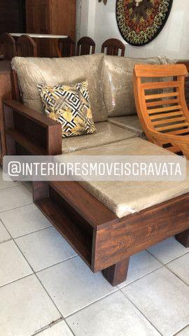 Mesa com banco cristaleira rack sofás - Foto 3