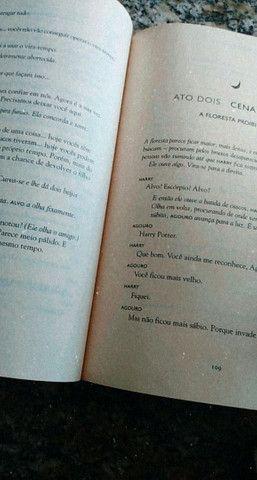 Livro Harry Potter e a Criança amaldiçoada - Foto 2