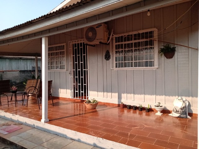 Vendo duas casas mesmo terreno Pimenta Bueno bairro seringal valor 270mil - Foto 4