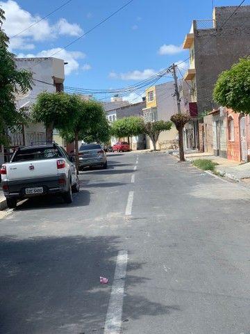VENDE-SE CASA NO CENTRO (rua atrás do FÓRUM) - Foto 4