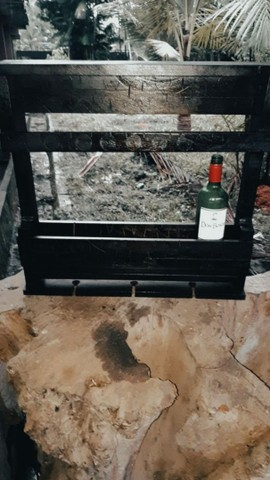 Vendo Adega de Vinho e Taça Rústica - Frete Grátis - Foto 2