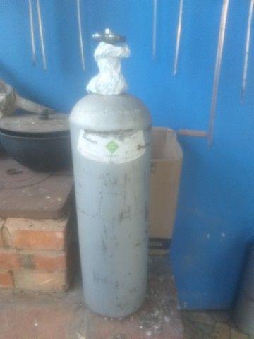 Dois Cilindros de gas