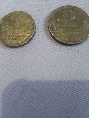 Vendo duas moedas de 1 cruzeiro e de 2 cruzeiro