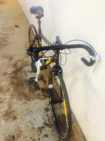 Bicicleta com pouco uso e em perfeito estado