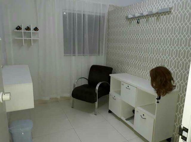 Aluga-se um salão mobiliado